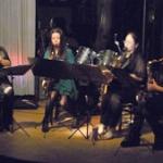 音楽で被災者支援 出演者協力、募金箱も 沖縄市レイラ