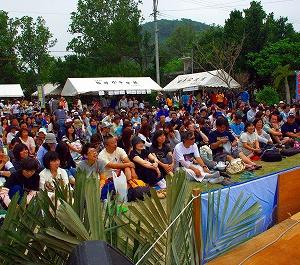 西表島 船浮音祭りに600人 会場に熱気、手作りイベント満喫